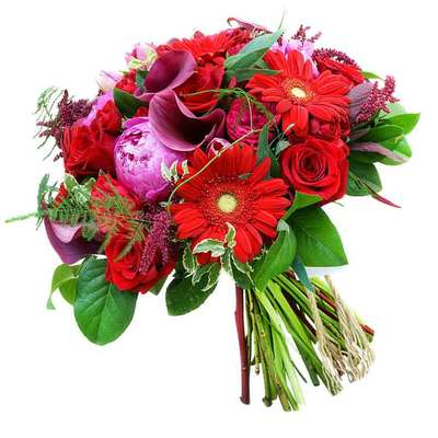 Букет из пионов, роз, гербер, калл