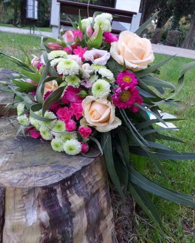 Розы розы хризантемы