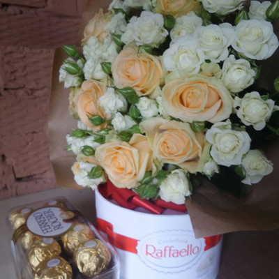 Розы и конфеты