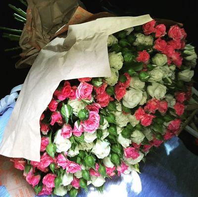 Охапка кустовых роз