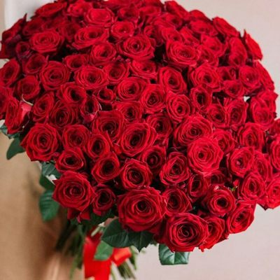 Красных роз 101 ☺