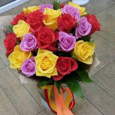 Яркие розы в крафте